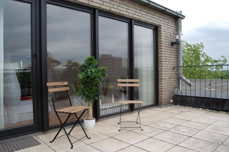 Dachterrasse_1000x665 - Penthouse-Appartement, Dachterrasse, EBK und Schwimmbad im Haus.