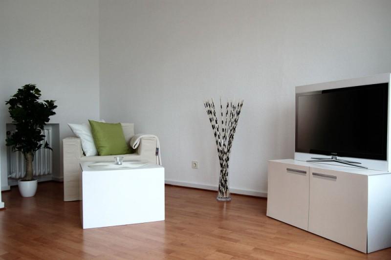 Details Wohnbereich_1000x665 - Penthouse-Appartement, Dachterrasse, EBK und Schwimmbad im Haus.
