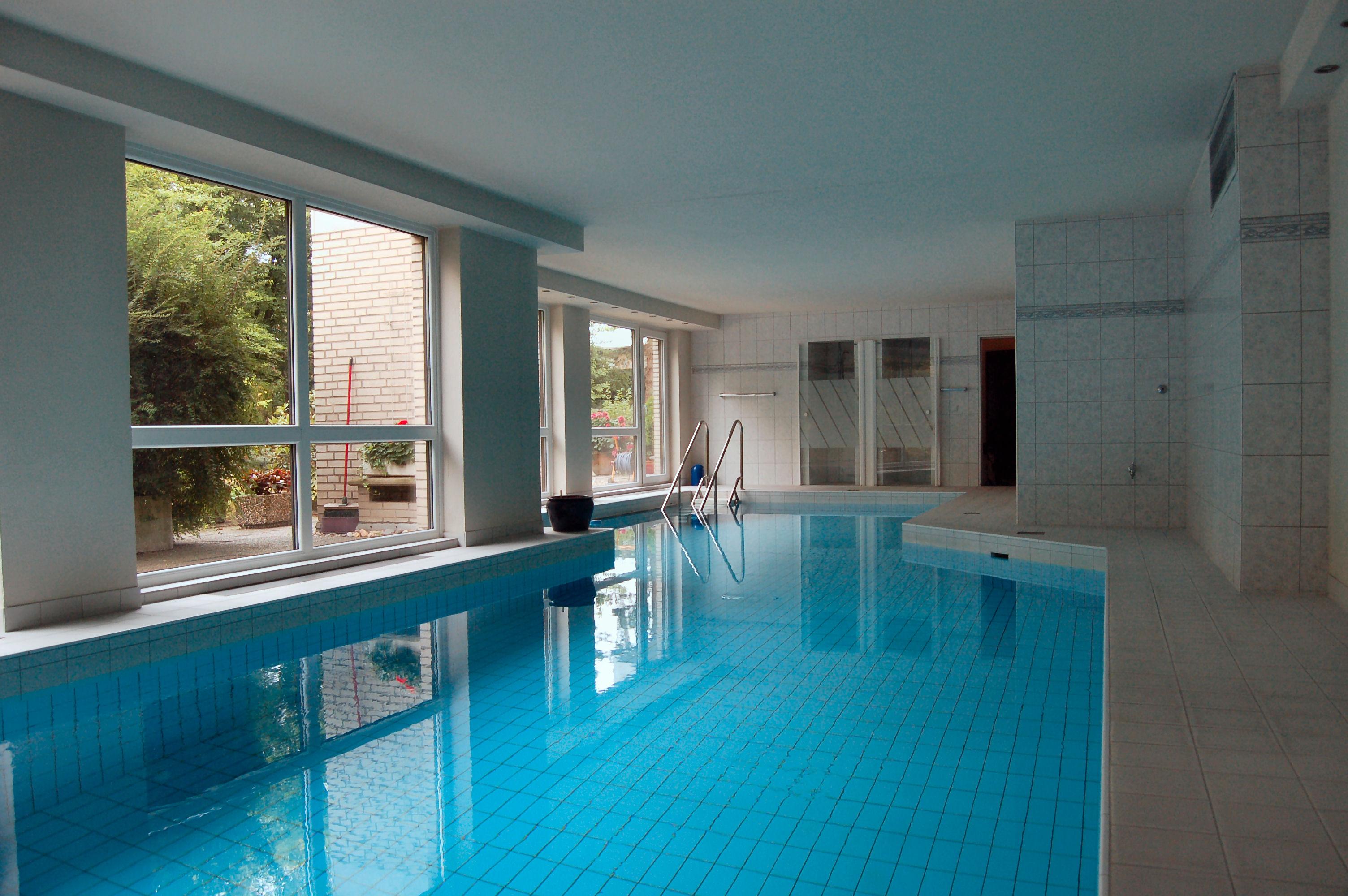 Schwimmbad1 - Penthouse-Appartement, Dachterrasse, EBK und Schwimmbad im Haus.