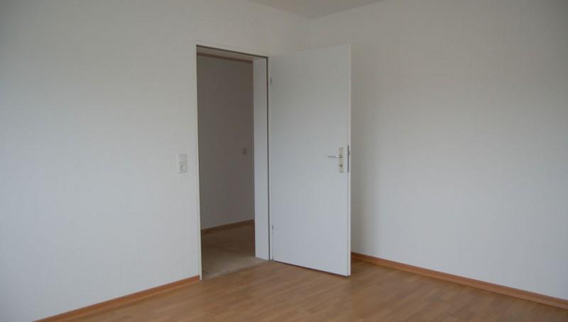 renovierte wohnung. Black Bedroom Furniture Sets. Home Design Ideas