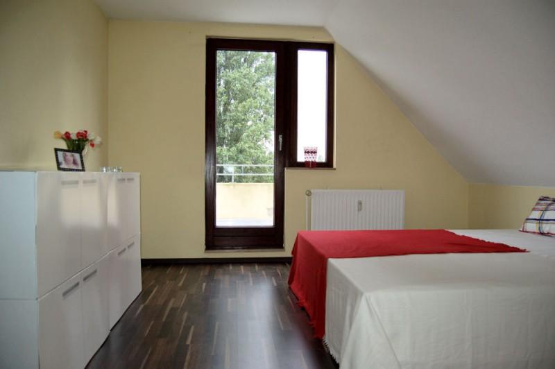 Schlafzimmer Balkon_1000x665 - Dachgeschosswohnung mit Flair, der perfekte Start für die junge Familie.