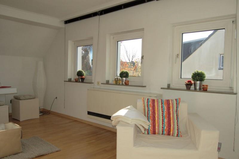 Details Wohnbereich_1_1000x665 - Dachgeschosswohnung mit Ausbaureserve und Garten Nutzung möglich.