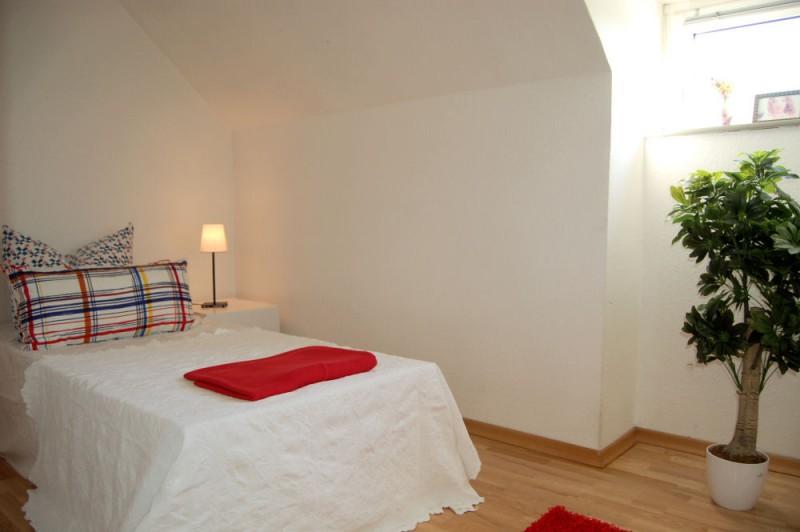 Schlafbereich_1000x665 - Dachgeschosswohnung mit Ausbaureserve und Garten Nutzung möglich.