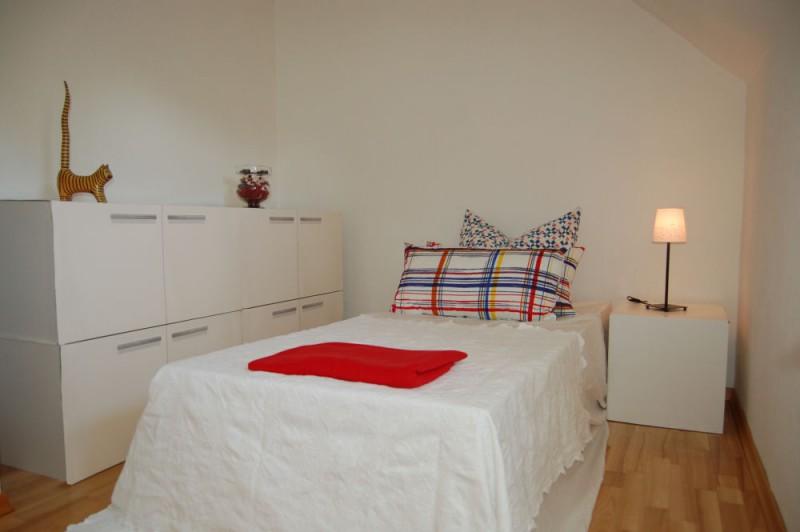 Schlafzimmer_1_1000x665 - Dachgeschosswohnung mit Ausbaureserve und Garten Nutzung möglich.
