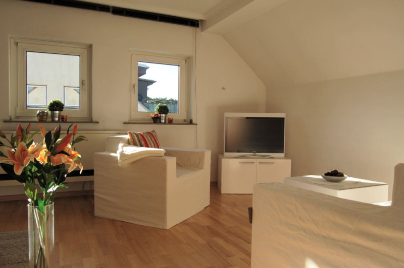 Wohnbereich_2_1000x665 - Dachgeschosswohnung mit Ausbaureserve und Garten Nutzung möglich.