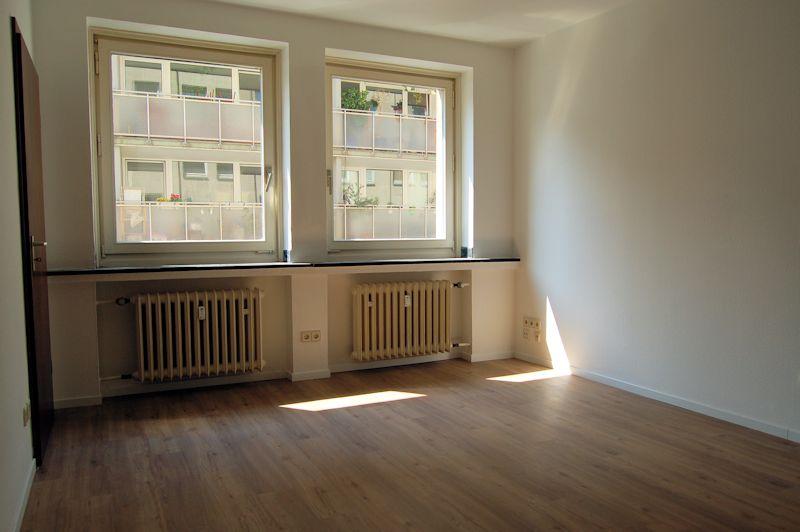 nur 8 minuten bis zur k renoviertes city appartement ines biedermann immobilien verkauf. Black Bedroom Furniture Sets. Home Design Ideas