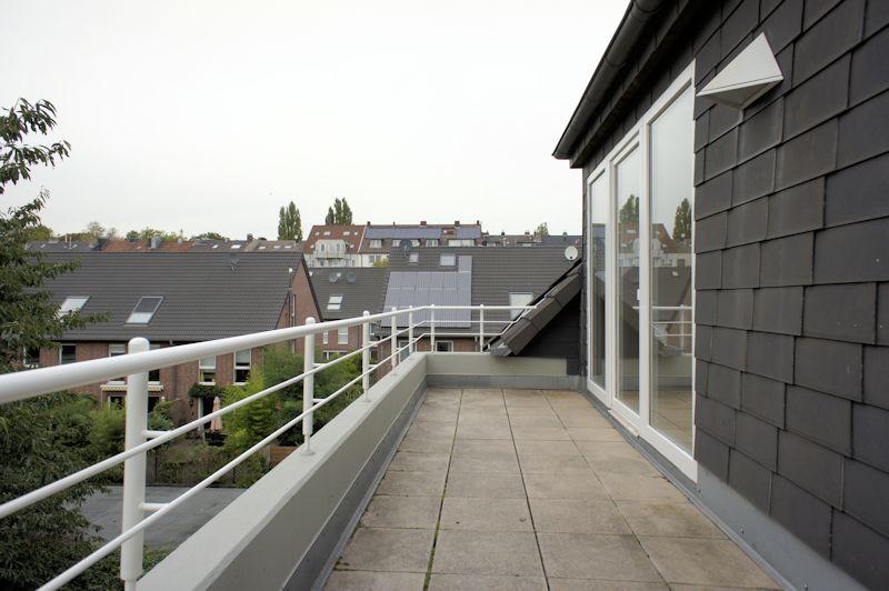 - Maisonette-Wohnung mit neuem Wannenbad, EBK und Stellplatz