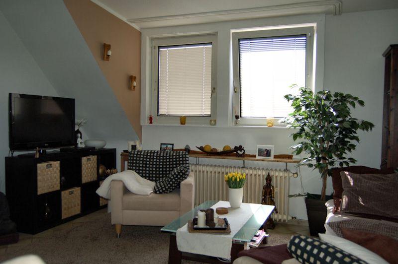 gem tliche maisonette wohnung mit balkon und einbauk che ines biedermann immobilien. Black Bedroom Furniture Sets. Home Design Ideas
