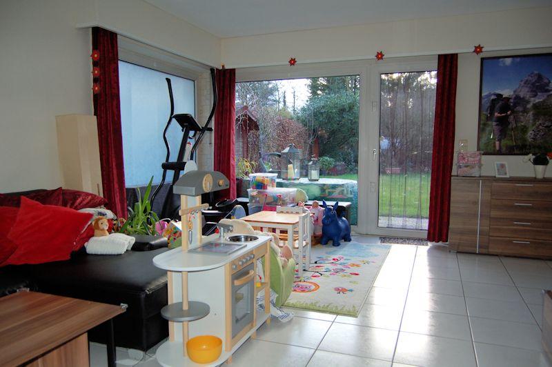 - Garten mit Wohnung dazu, sucht Mieter im schönen Angermund.