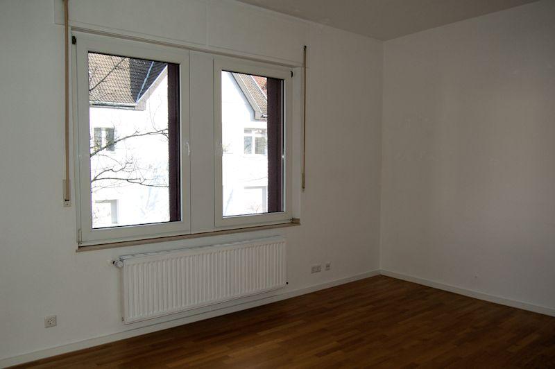 - Lakronstraße – Altbauwohnung in Traumlage mit Weitblick.
