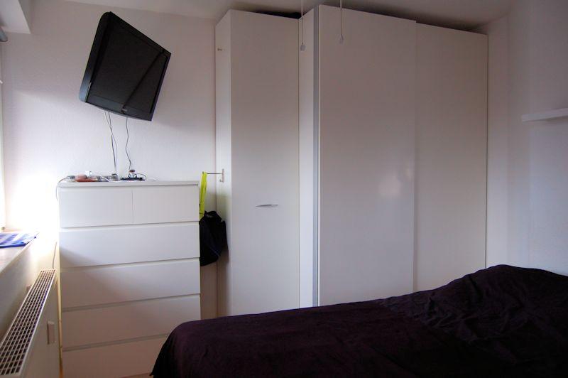 - Gemütliche Wohnung im Dachgeschoss mit Balkon und EBK.