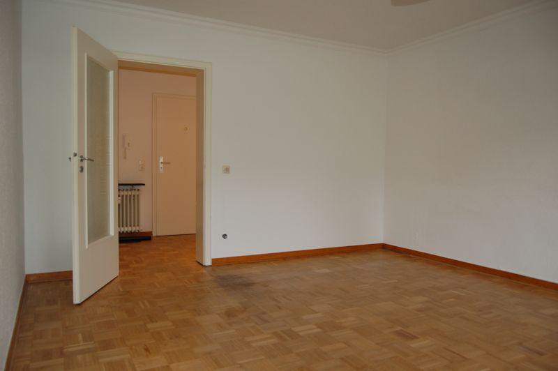 - Nur 3 Stufen bis zur neuen Wohnung mit Terrasse und kleinem Garten.