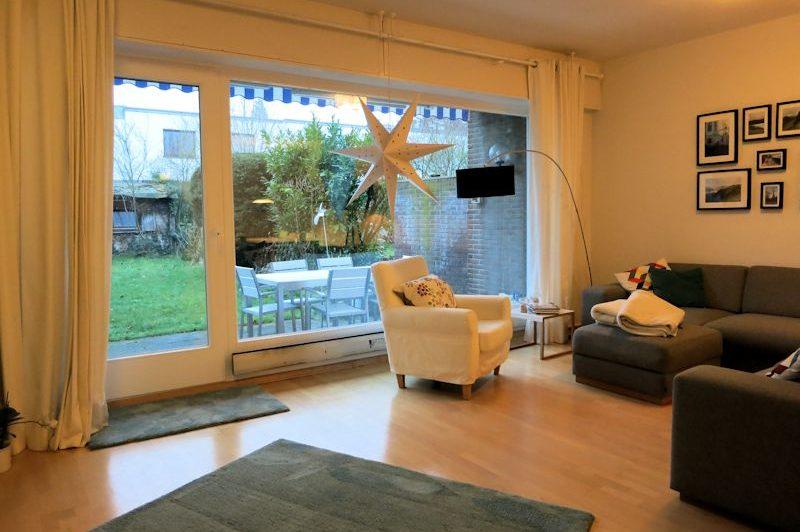- Ein Sommertraum, Einfamilienhaus mit Garten und Garage